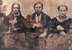 A young Benito Juárez with his family